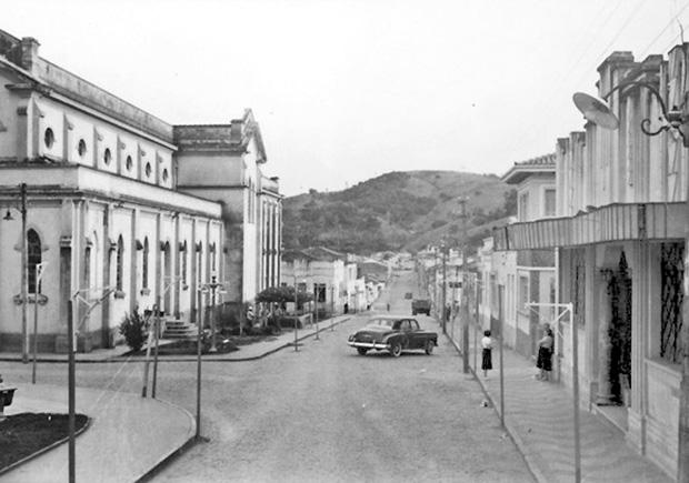 Uma das principais ruas de Socorro (SP) - 1958 xx